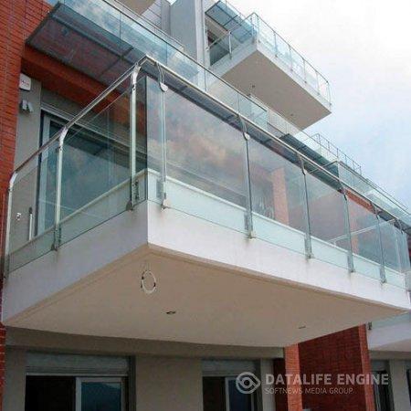 Остекление балконов в Пушкино: тонированная пленка или солнцезащитное стекло?